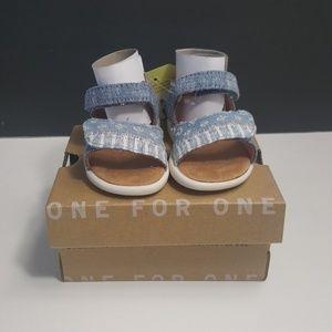 NEW!Toms Tiny Viv Shoe Size 2 Toddler